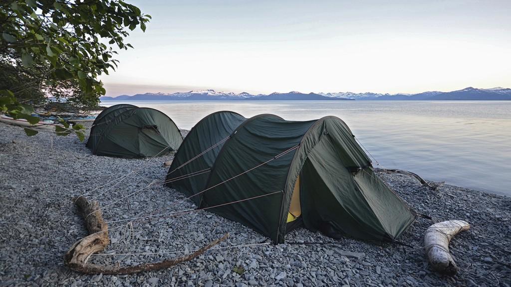 alaska-tent-shore-inge-davids