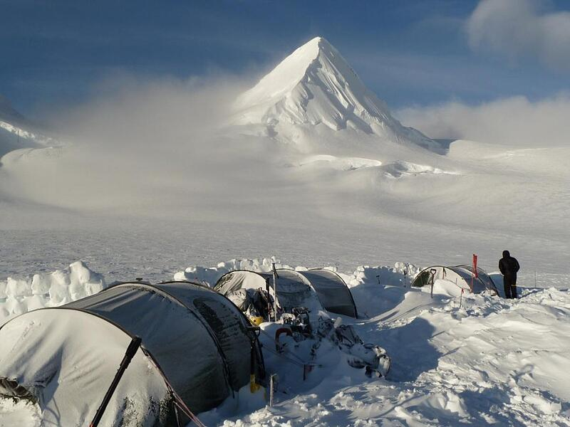 mauricio-clauzet-nols-alaska-camp-mountain